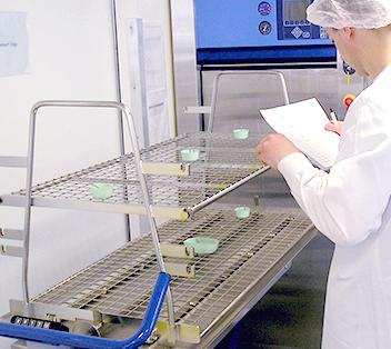 Qualification stérilisateur vapeur d'eau validation stérilisation EN 554 ISO17665 contrôle autoclave prestation prestataire de services France